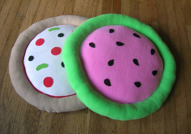 Watermelon and pizza cat beds, 2016 St. Johns Bizarre
