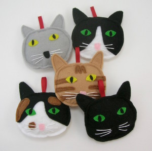 Cat ornaments for Christmas at the madeleine marketplace
