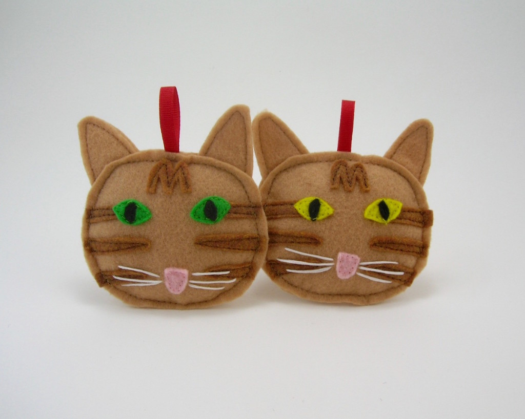 Orange tabby cat Christmas ornament