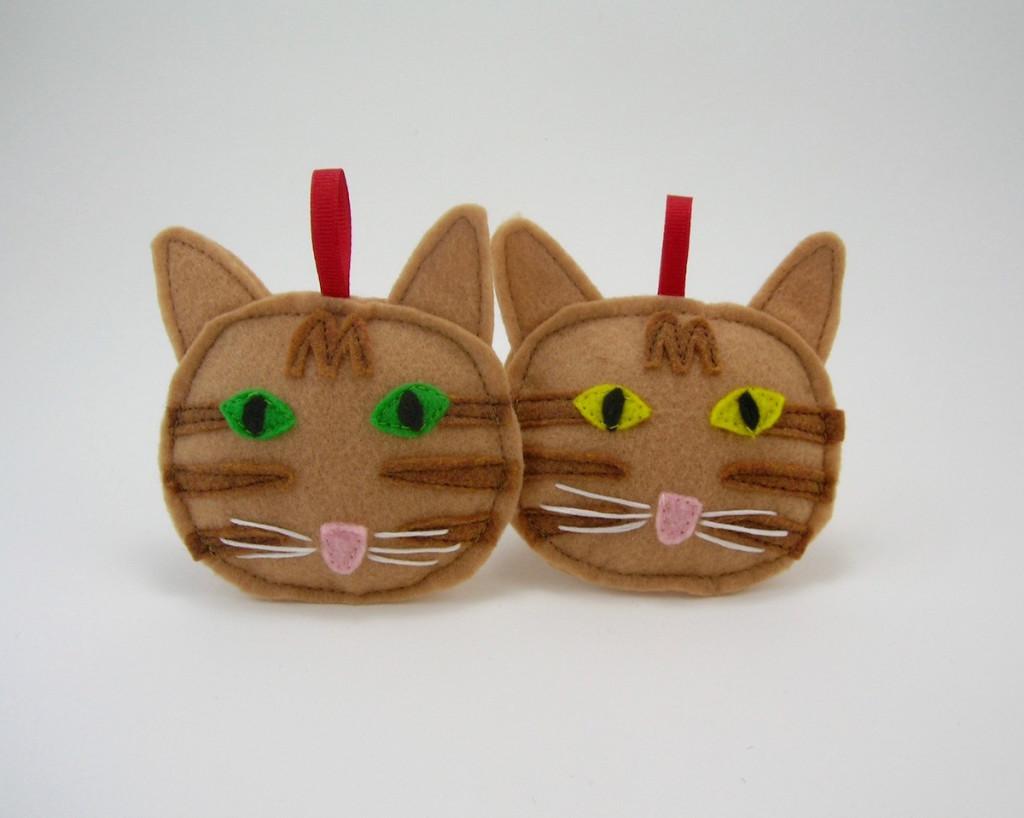 Orange tabby cat Christmas ornament